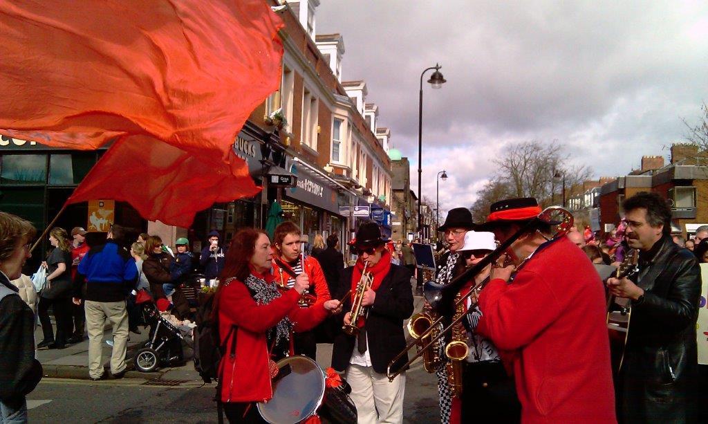 Parade 9